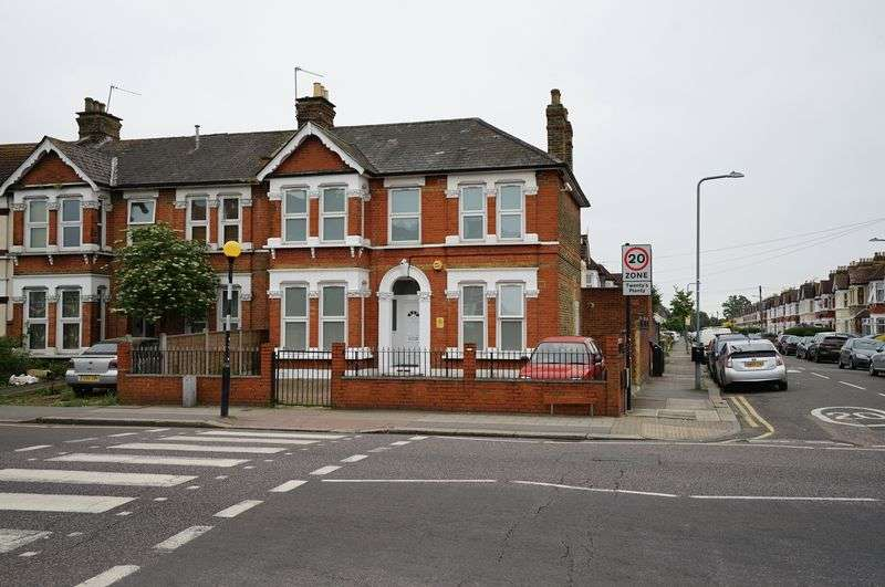 8 Bedrooms Property for sale in 8 Bed HMO Green Lane, Ilford