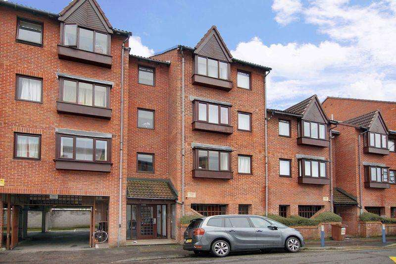 Studio Flat for sale in Victoria Avenue, Bristol, BS5 9NW