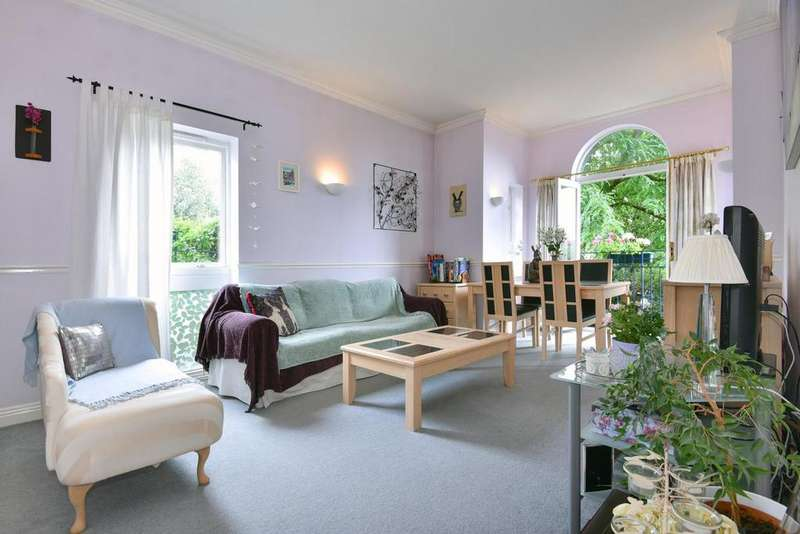 2 Bedrooms Flat for sale in Berisford Mews, Wandsworth