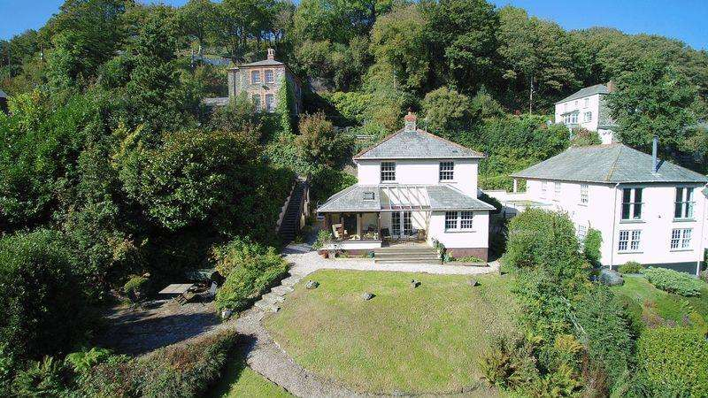 4 Bedrooms Detached House for sale in Old Road, Boscastle