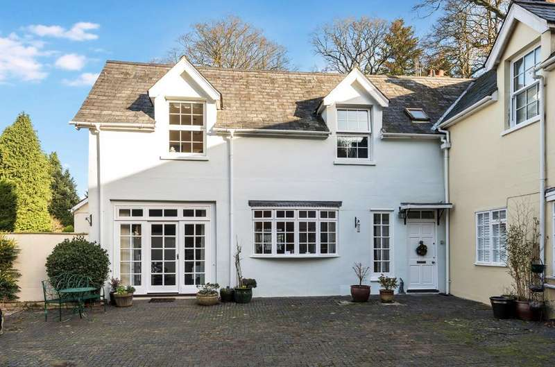 3 Bedrooms House for sale in Stable Court, Stodham Lane, Liss, GU33