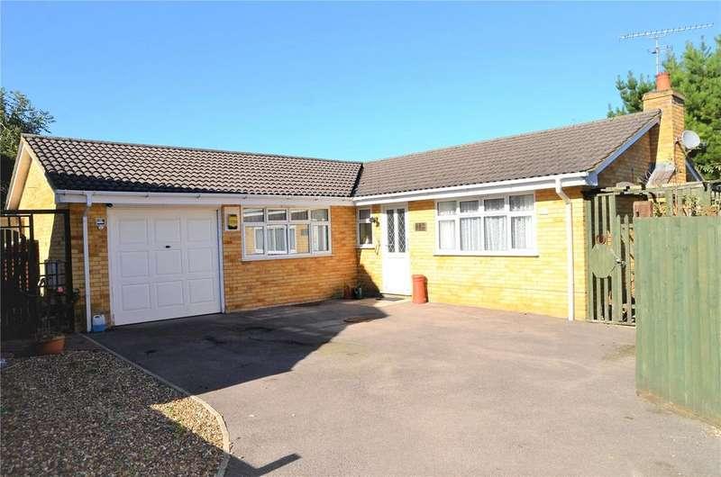 3 Bedrooms Bungalow for sale in Royston Close, Tilehurst, Reading, Berkshire, RG30