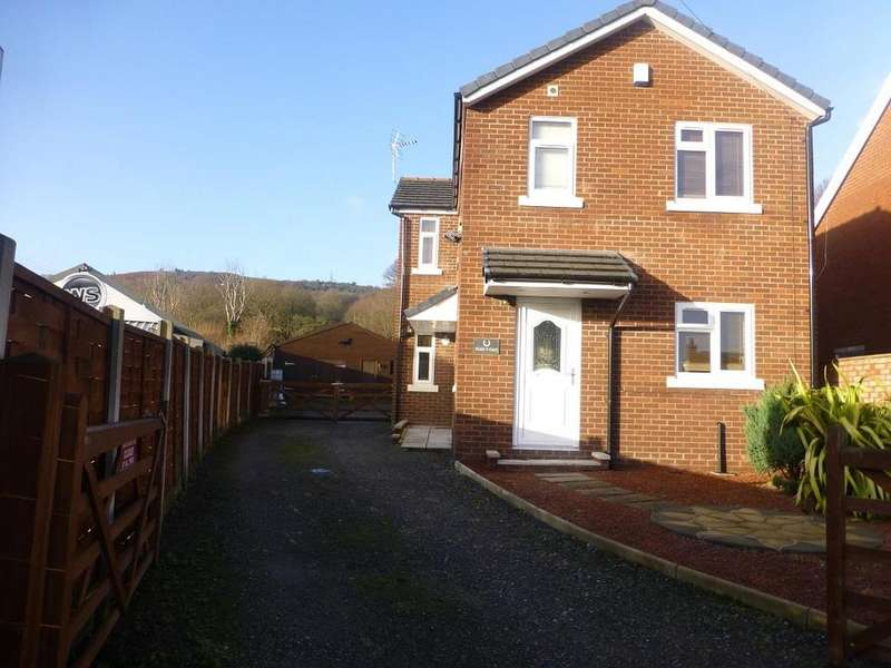 3 Bedrooms Country House Character Property for sale in Hawarden Road, Caergwrle, Wrexham