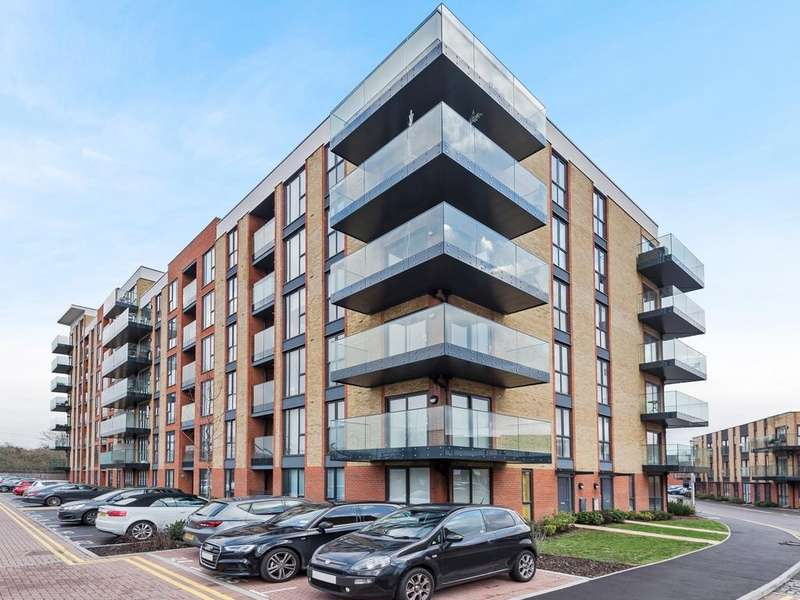 2 Bedrooms Apartment Flat for sale in Oscar Wilde Road, Reading, RG1