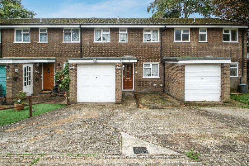 3 Bedrooms Terraced House for sale in Brambleside, High Wycombe