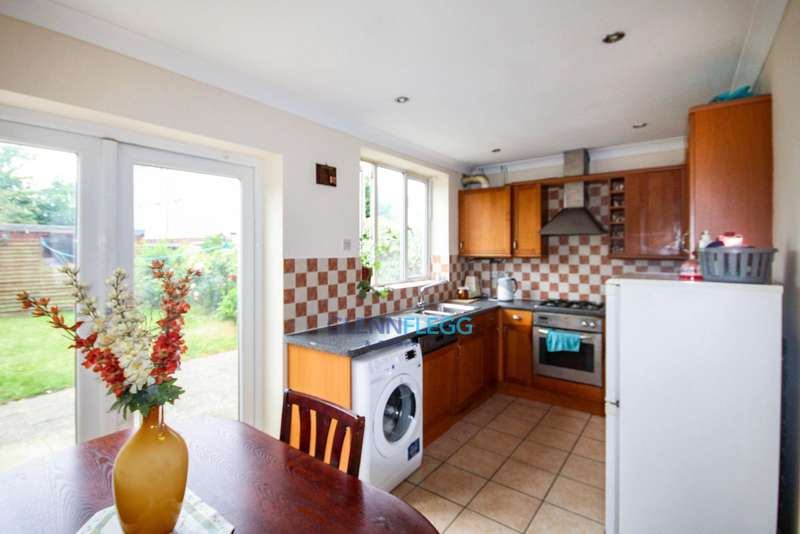 2 Bedrooms Terraced House for sale in Langley, Slough