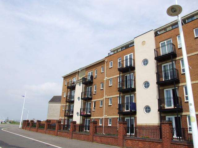 3 Bedrooms Flat for sale in 43 Jersey Quay, Sandfields, Port Talbot