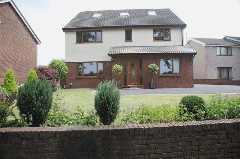 6 Bedrooms Detached House for sale in Heol Dulais, Swansea