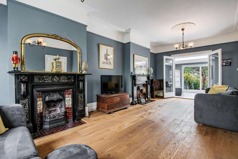 4 Bedrooms Terraced House for sale in Micheldever Road Lee SE12