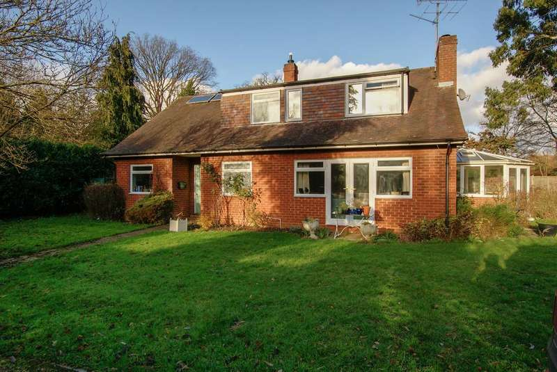 4 Bedrooms Chalet House for sale in Church Lane, Heckfield