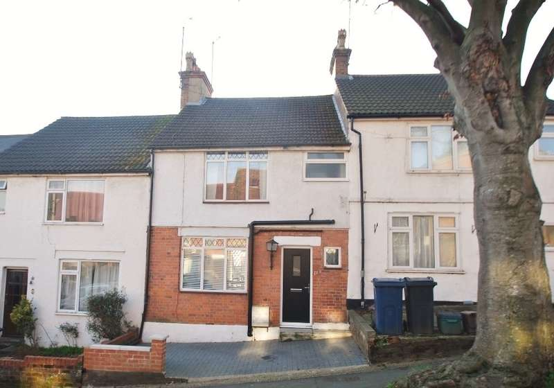 3 Bedrooms Terraced House for sale in Alma Road, Chesham, HP5