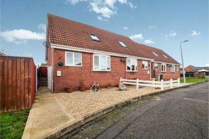 1 Bedroom Bungalow for sale in Skipworth Way, Skegness, Lincolnshire