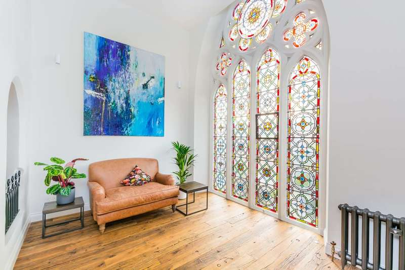 1 Bedroom Flat for sale in Cloisters Court, Highgate, N6