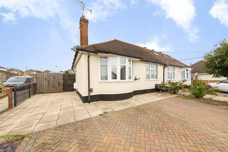 2 Bedrooms Bungalow for sale in Deirdre Avenue, Wickford, Essex, SS12