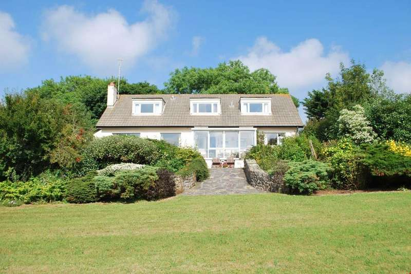 4 Bedrooms Detached Bungalow for sale in Perran Downs, Nr. Goldsithney, Cornwall