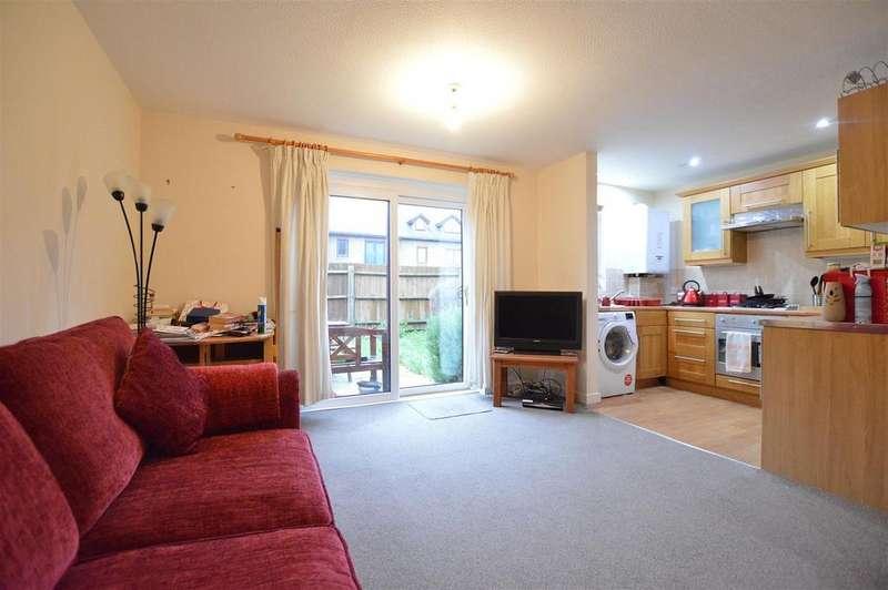 1 Bedroom Maisonette Flat for sale in Langtons Meadow, Farnham Common, South Bucks