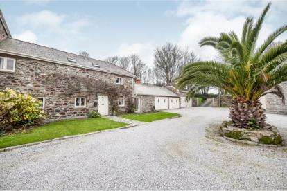 3 Bedrooms Barn Conversion Character Property for sale in Flushing, Falmouth, Cornwall