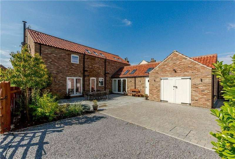 4 Bedrooms Detached House for sale in The Barn, Main Street, Alne, York, YO61