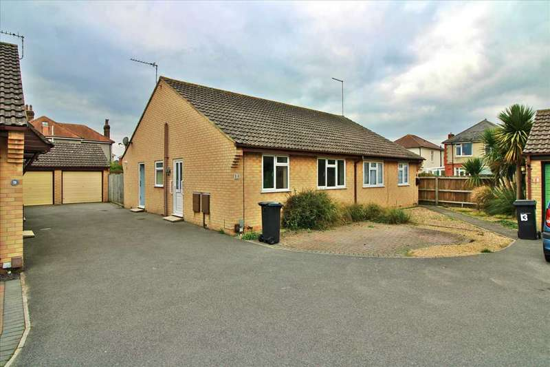 2 Bedrooms Semi Detached Bungalow for sale in Ashburton Gardens, Bournemouth