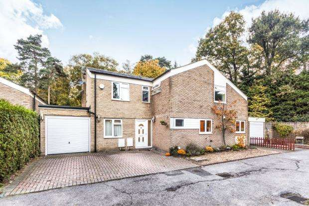 5 Bedrooms Detached House for sale in Bracknell, Berkshire
