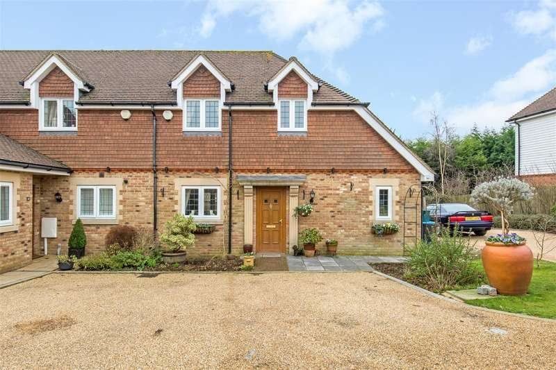2 Bedrooms House for sale in Vern Place, Tatsfield, Westerham