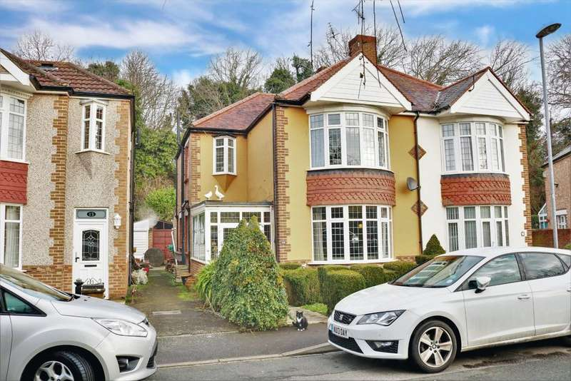 3 Bedrooms Semi Detached House for sale in Firgrove Crescent, Portsmouth