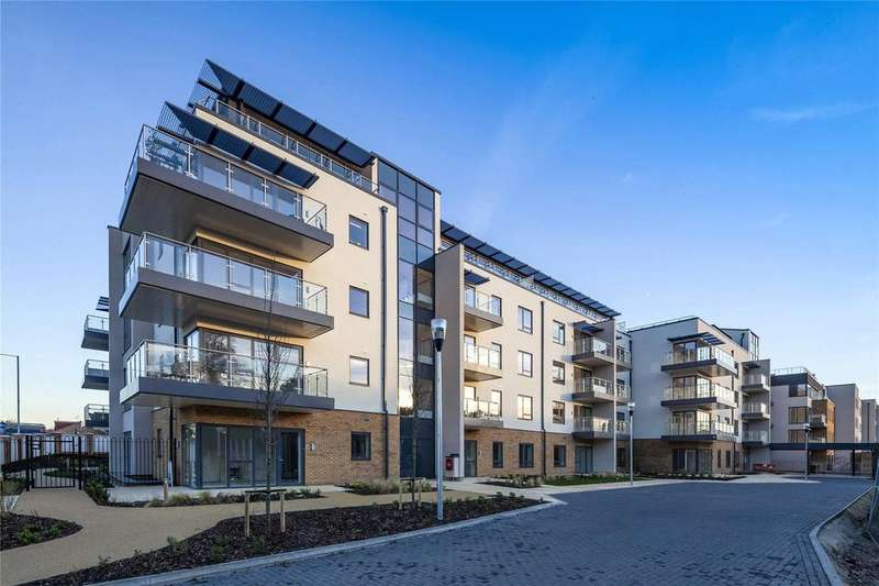 2 Bedrooms Retirement Property for sale in Castle View Retirement Village, Helston Lane, Windsor, Berkshire, SL4