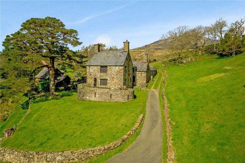4 Bedrooms Detached House for sale in Tan-y-Bwlch, Blaenau Ffestiniog, Gwynedd, LL41