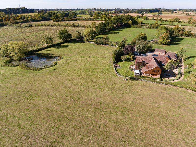 6 Bedrooms Detached House for sale in Hob Lane, Solihull