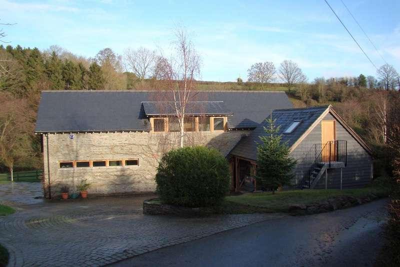 3 Bedrooms Detached House for sale in Hillside, Carey, Hereford, HR2 6NG