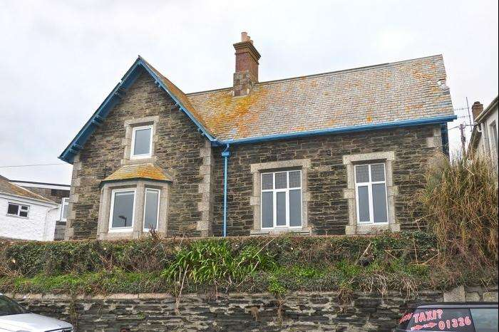 2 Bedrooms Town House for sale in Peverell Old School, Peverell Terrace, Porthleven, TR13
