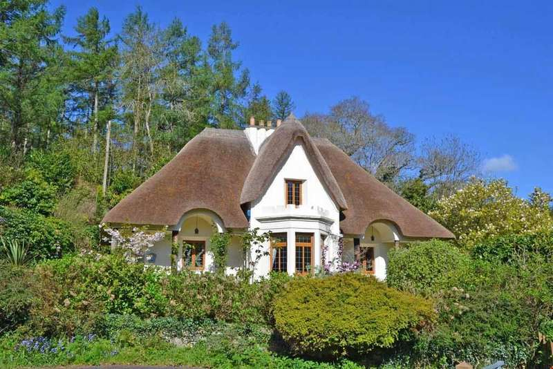 4 Bedrooms Detached House for sale in Tresillan, Truro, Cornwall