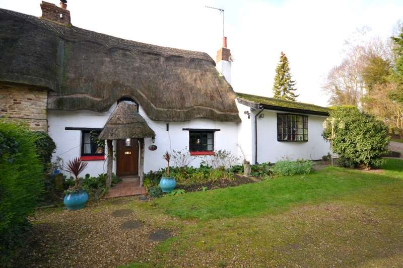 3 Bedrooms Property for sale in Kettle End, Lois Weedon, Towcester, NN12