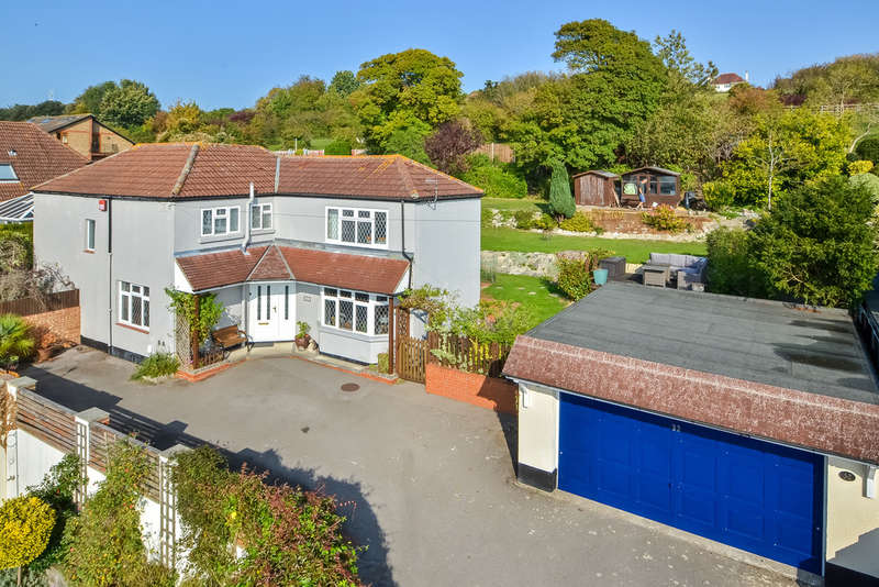 4 Bedrooms Detached House for sale in Drayton, Hampshire