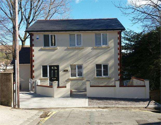 3 Bedrooms Detached House for sale in Old Doctors Surgery, Field Street, Penygraig, RCT. CF40 1JX