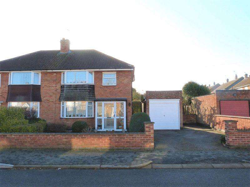 3 Bedrooms Semi Detached House for sale in Ferndale Road, Thurmason