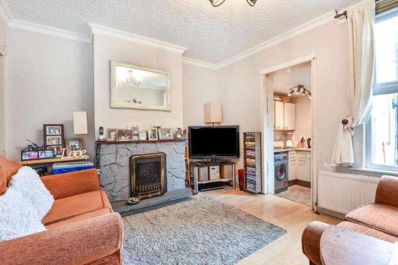 2 Bedrooms Terraced House for sale in South Norwood, SE25