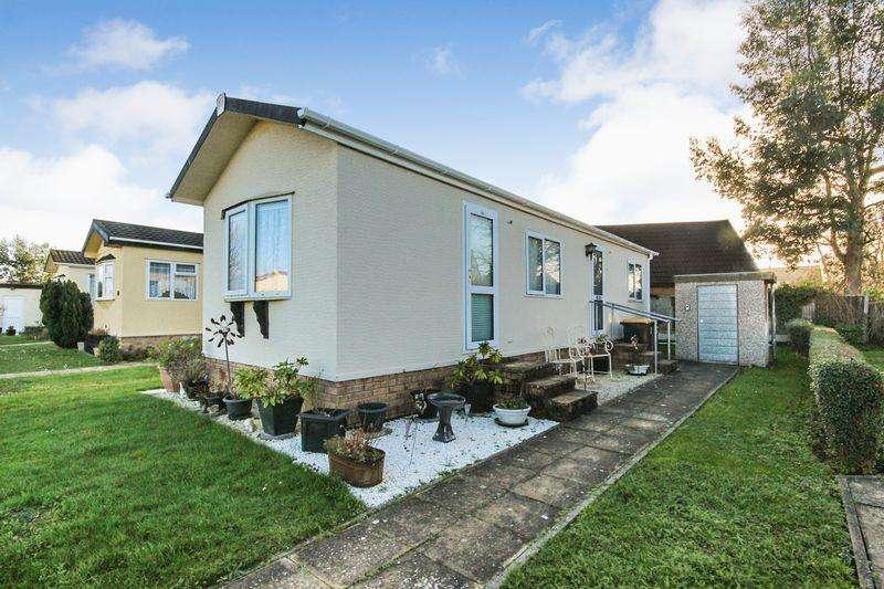 1 Bedroom Park Home Mobile Home for sale in The Laurels, Wilstead