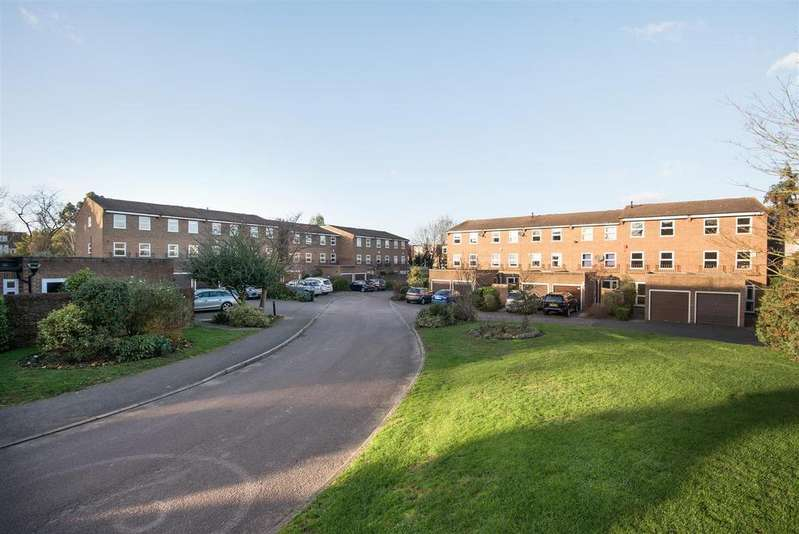 4 Bedrooms House for sale in Ellenborough Place, Putney