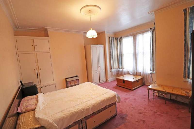 4 Bedrooms House for sale in St Johns Avenue, NW10