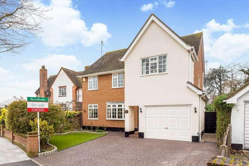 4 Bedrooms Detached House for sale in Crossways, Gidea Park, Romford, Essex, RM2