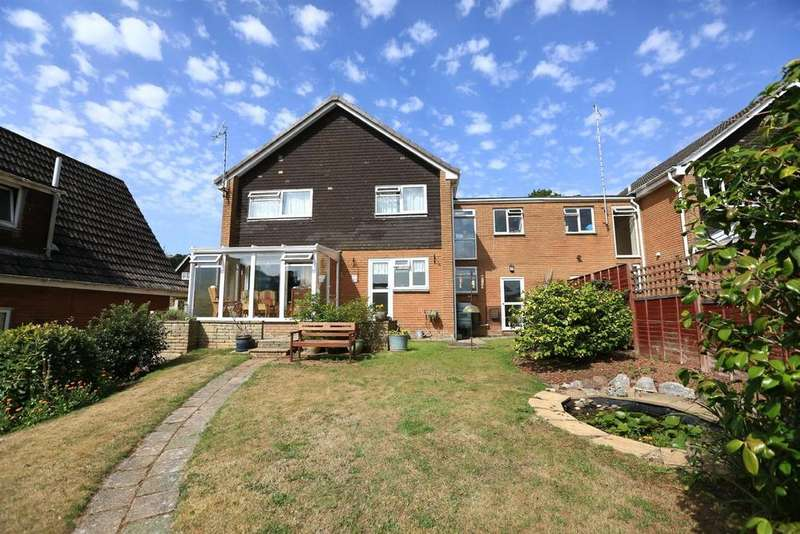 4 Bedrooms Link Detached House for sale in Reddicliff Road, Plymstock, Plymouth