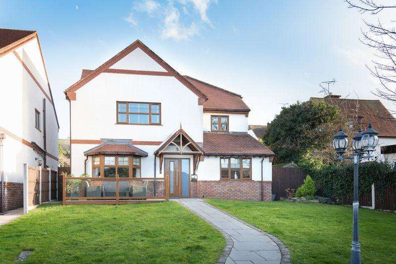 4 Bedrooms Detached House for sale in Gronant Road, Prestatyn