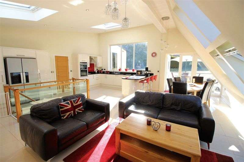4 Bedrooms Property for sale in Hay Lane Scalby, Scarborough