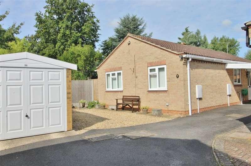 2 Bedrooms Detached Bungalow for sale in Blackburn Close, Grantham