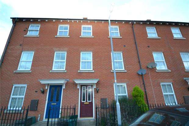 3 Bedrooms Terraced House for sale in Mario Way, Colchester, Essex