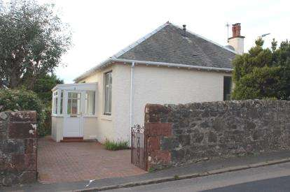 2 Bedrooms Bungalow for sale in Routenburn Road, Largs
