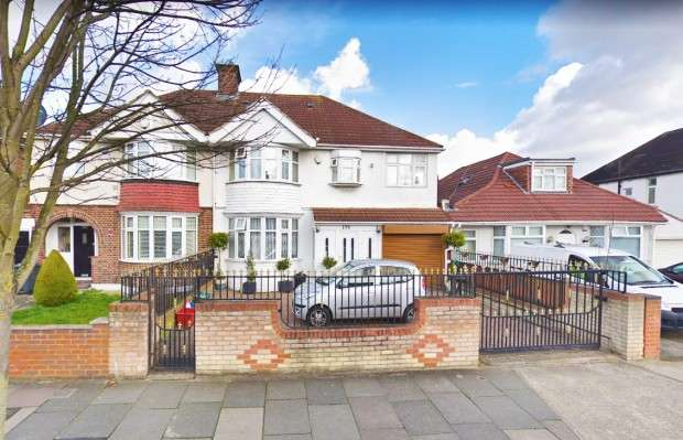 5 Bedrooms Semi Detached House for sale in Spring Grove Road Spring Grove Road, Isleworth, TW7