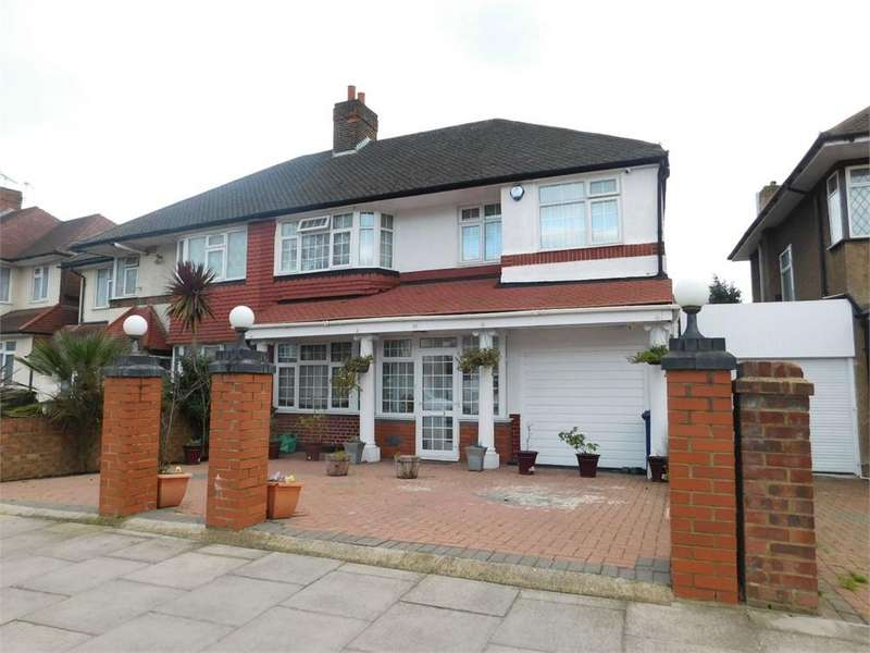5 Bedrooms Semi Detached House for sale in Thorncliffe Road, Norwood Green, Southall, Middlesex