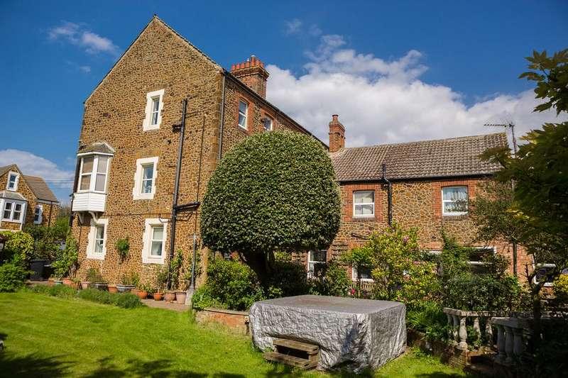 6 Bedrooms Semi Detached House for sale in 50 Greevegate, Hunstanton